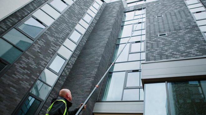 Reach & Wash Window Cleaning