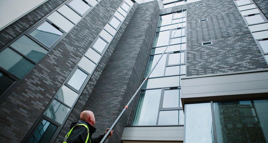 Reach & Wash Window Cleaning